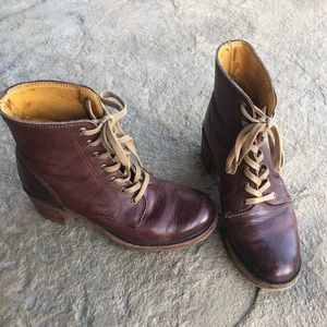 Frye Sabrina Lace Up Boots Made in USA 6.5